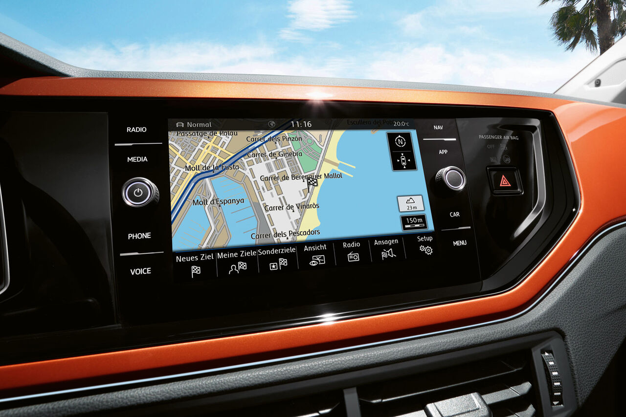 VW Polo orange Infotaiment Navigation