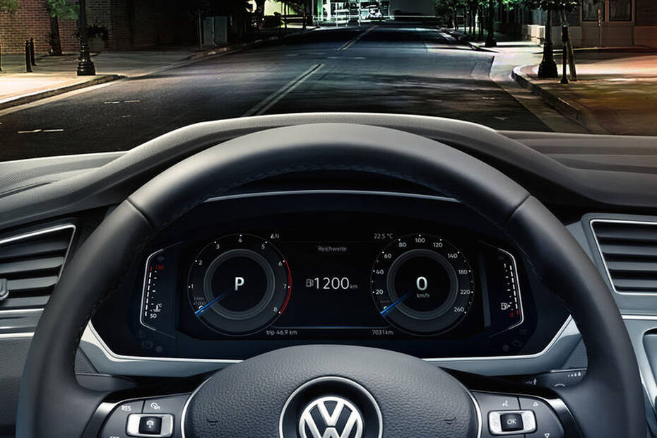 VW Tiguan Cockpit mit Active Info Display