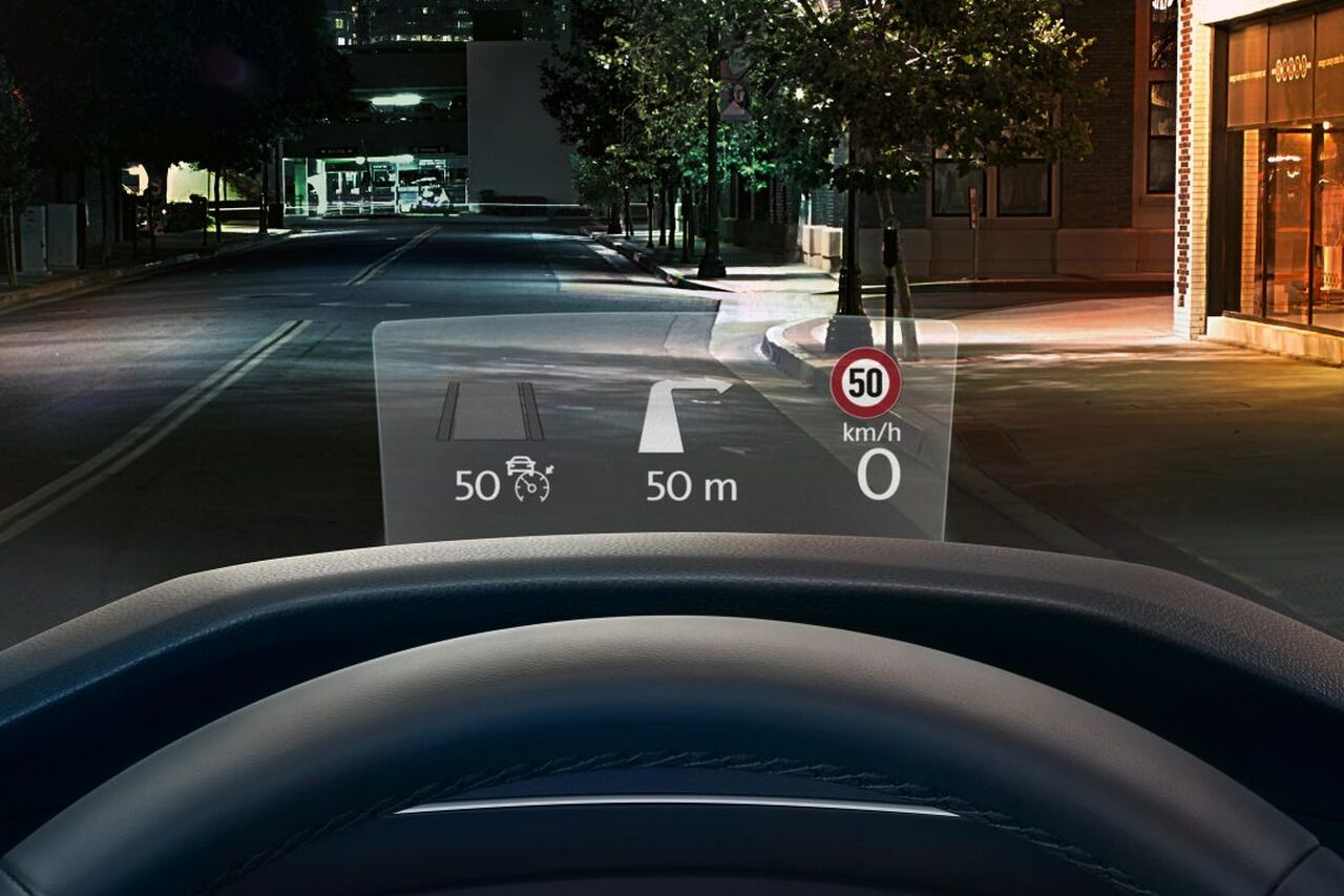 VW Tiguan Cockpit mit Head-up-Display
